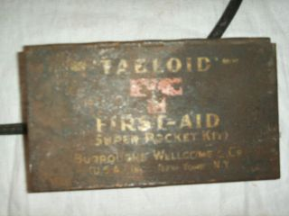 Neat Vintage Tabloid First Aid Kit Pocket Kit Metal Tin WWI Era
