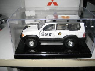 Toyota Land Cruiser 90 Prado Japan Police toy car 1/35 tins toy carven