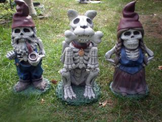 Zombie GNOME Garden FAMILY Halloween Prop Yard Lawn Decor Scary