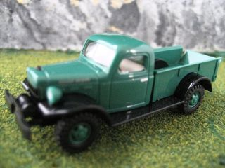 Busch (HO 187) Dodge Power Wagon  Pick up (Green) #44000
