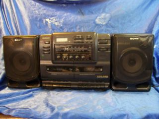 SONY CFD 550 CASSETTE/RADIO STEREO boombox vintage noCD