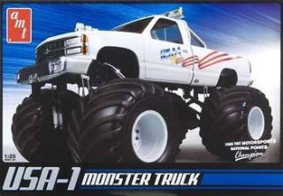 AMT 1/25 USA 1 4X4 Monster Truck Model Kit AMT632