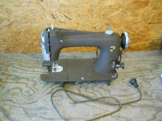 Montgomery Ward Model 30 Revesrsible Rotary Sewing Machine*AS IS