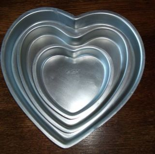 Wilton cake pans   Set of 3 Heart Shaped Cake Pans   low ship