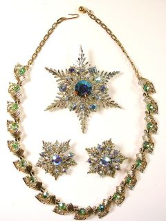 VINTAGE AURORA BOREALIS RHINESTONE JEWELRY NECKLACE SET OF BROOCH