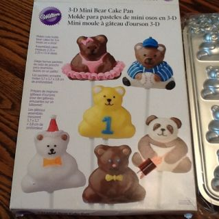 Wilton 3 D Mini Bear Cake Pan Mold 12 Bears Aluminum Pans Front & Back