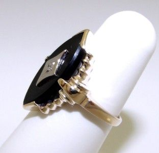 Vintage 1940s 10KT Yellow Gold Black Onyx Diamond Ring