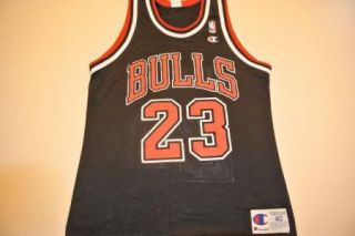 Worn In a TON michael jordan chicago bulls jersey black size 40