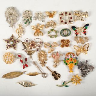 Lot 30 Vintage Costume Brooches Butterfly Rhinestone Leaf Flower Pins