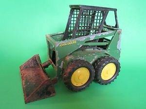 ERTL Diecast John Deer Green Bobcat Front Loader Tractor Well Used But