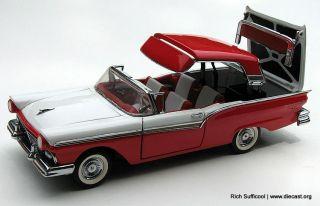 Franklin Mint 124 1957 Ford Fairlane 500 Skyliner  Retractable Roof