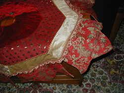 New 60 Red Very Unique Brocade Christmas Tree Skirt