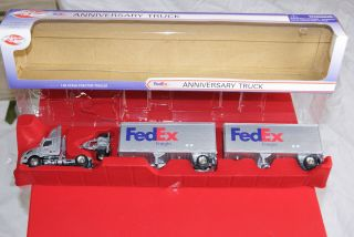 FedEx Freight Tractor Trailer Truck DOUBLES 1 64 25th Anniversary Ed