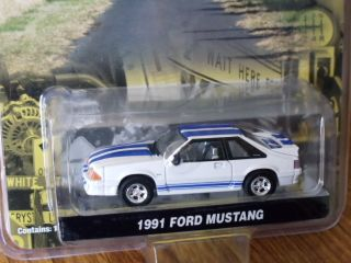 Greenlight COUNTY ROADS 1991 Ford Mustang white w blue stripes