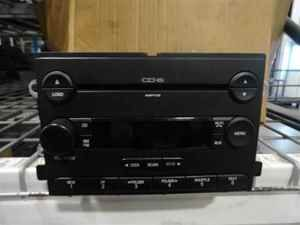 2005 Ford Freestyle Sel 6 Disc CD  Radio Player LKQ