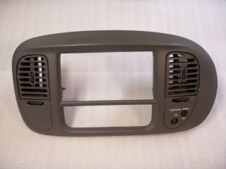 97 02 Ford F150 Radio Trim Bezel AC Vent Expedition Gray