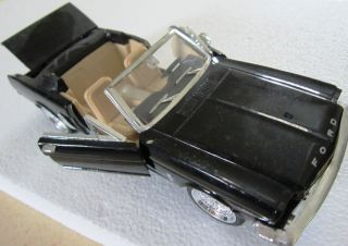 1 24 1964 1 2 Ford Mustang Diecast Car
