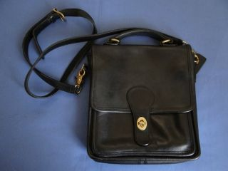 Nice Coach Messenger Cross Body Bag Purse 5130 Black with Suede