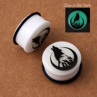 Glow in The Dark Howling Wolf Moon Acrylic Single Flare O Ring Ear