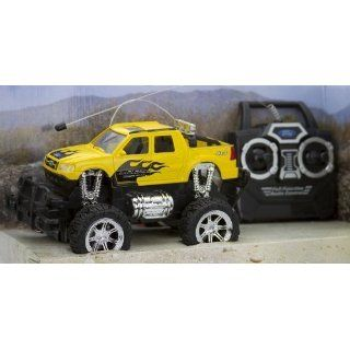 Ford Explorer Sport Trac 124 Radio Controlled 4x4 (Yellow