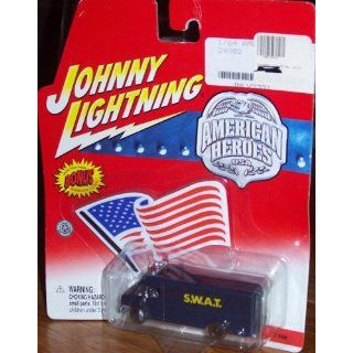 Johnny Lightning AMERICAN HEROES S.W.A.T Toys & Games