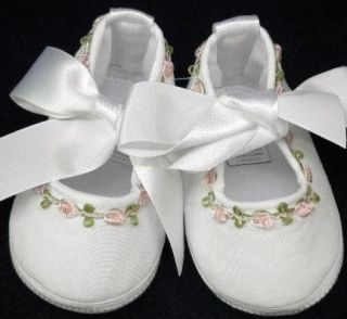 WillBeth Newborn Reborn Baby Girl Fancy Embroidered Crib Shoes New