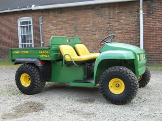 JOHN DEERE 2x4 GATOR KAWASAKI ENGINE FARM UTILITY VEHICLE NICE TIRES