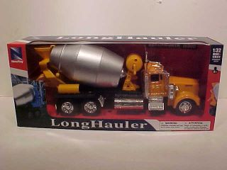 Kenworth Truck W900 Cement Mixer Diecast Toy Model 1 32 NewRay Box