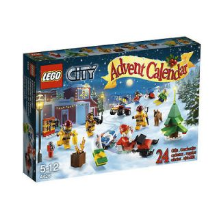 NEW~LEGO CITY~ADVENT CALENDAR~SET # 4428~248 PCS~MINIFIGURE S~SANTA
