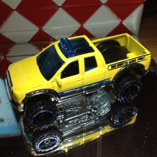 Hot Wheels 2010 Toyota Tundra