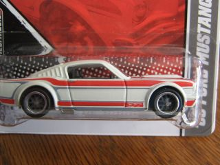 Hot Wheels Garage 65 Ford Mustang Fastback