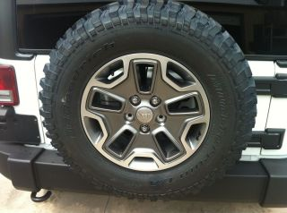 2013 Jeep Wrangler JK Rubicon Wheels and Tires Factory