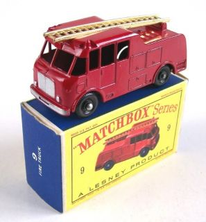 Matchbox Lesney 9 Merryweather Fire Engine 1960 MIB
