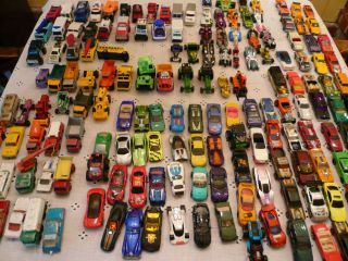 160 CARS, TRUCKS, FARM , SCHOOL BUS ETC. LISNEY, HOT WHEELS MATCHBOX