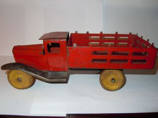 WYANDOTTE 1930s METAL TOY STAKE BODY TRUCK   WOOD WHEELS ALL ORIGINAL
