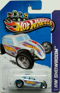 Beetle 2013 Hot Wheels Showroom 176 247 White w Blue Interior